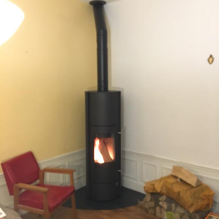 poele a bois accumulation obtenez des. Black Bedroom Furniture Sets. Home Design Ideas